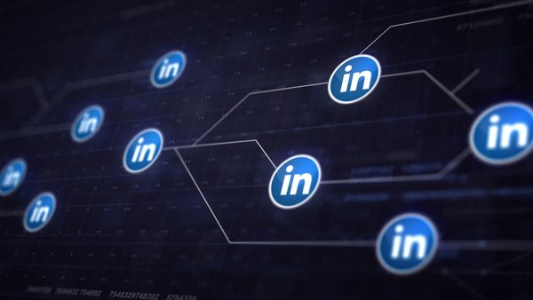 5 Things You Should Be Doing on LinkedIn (Even if You're Not Job Searching)